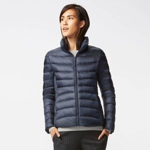 UNIQLO NAVY BLUE MEDIUM LIGHT WEIGHT DOWN JACKET